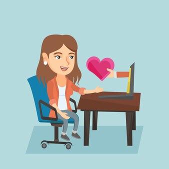 Vrouw die online datum op internet zoekt.