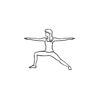 Vrouw doet yoga in krijger pose hand getrokken schets doodle pictogram. fitness, gezonde levensstijl, yoga houdingen concept