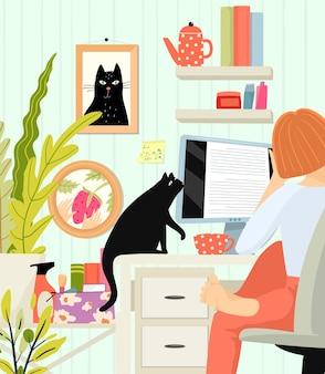 Vrouw freelancer werken op afstand vanuit kantoor aan huis op blote voeten