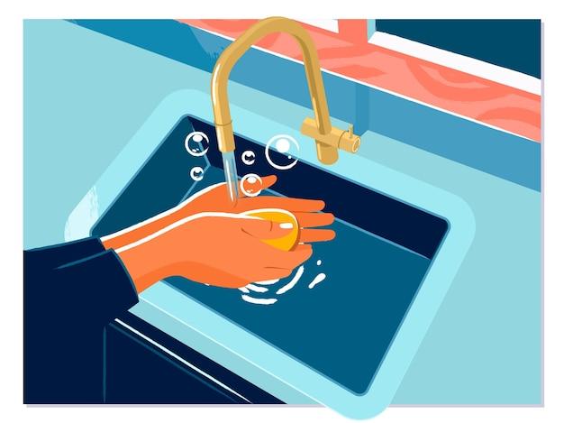 Vrouw gebruikt zeep en handen wassen onder de waterkraan