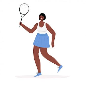 Vrouw gekleed in sportkleding tennissen