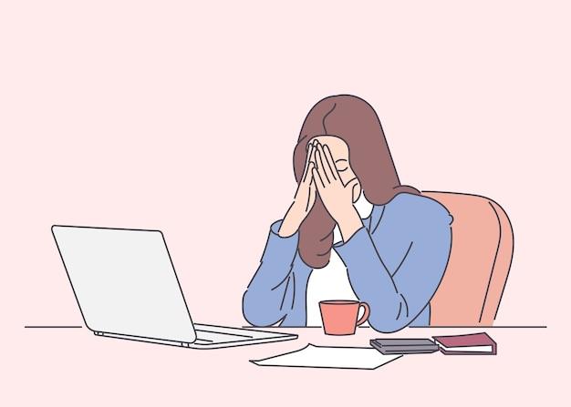 Vrouw houden ogen gesloten en zittend op haar werkplek hand getrokken