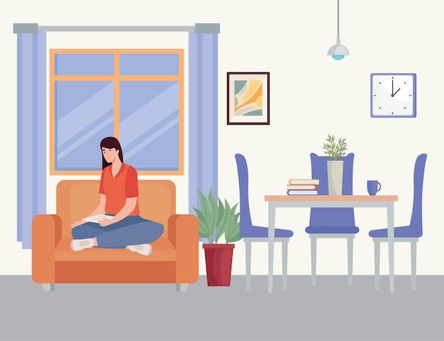 Vrouw in de woonkamer