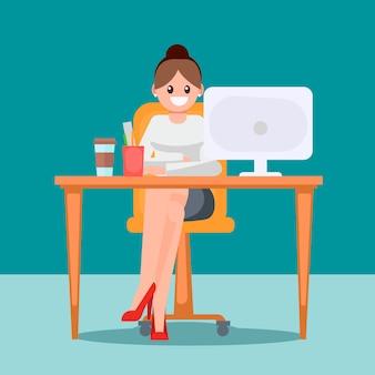 Vrouw in het kantoor aan de tafel