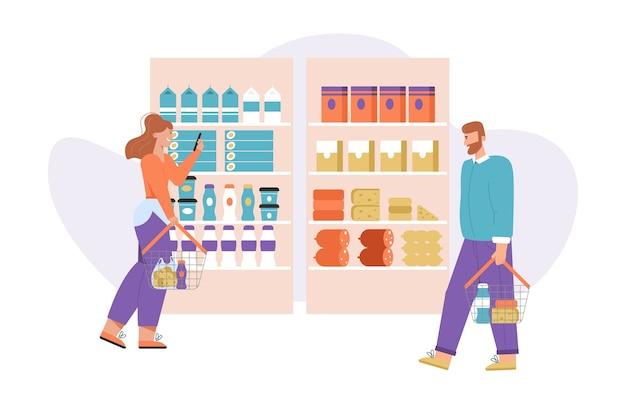 Vrouw kiest producten. man met mand loopt in de winkel in de buurt van planken met assortiment goederen.