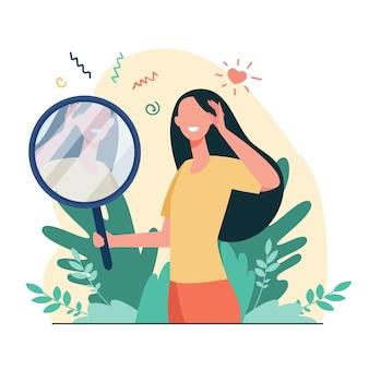 Vrouw kijken naar spiegel platte vectorillustratie. mooie vrouwelijke stripfiguren glimlachen naar haar spiegelbeeld. liefde voor zichzelf, ego en narcisme concept