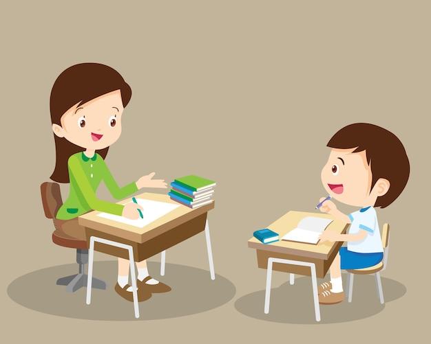 Vrouw leraar tutor bijles jongen kind thuis