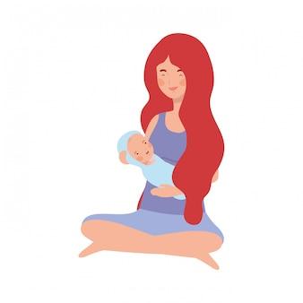 Vrouw met een pasgeboren baby in haar armen