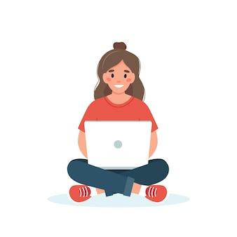Vrouw met het werken laptop
