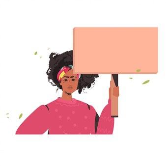 Vrouw met lege kartonnen banner zwarte levens doen ertoe campagne tegen rassendiscriminatie