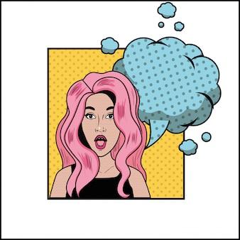Vrouw met roze haar en spraak bubbel pop-art stijl