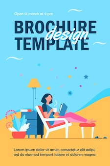 Vrouw ontspannen thuis sjabloon folder