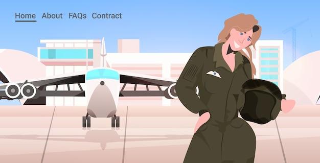 Vrouw piloot in uniform staande in de buurt van vliegtuig luchthaven terminal luchtvaart concept portret horizontale kopie ruimte