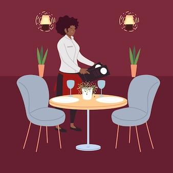Vrouw serveerster in uniform neemt een bestelling in een restaurant