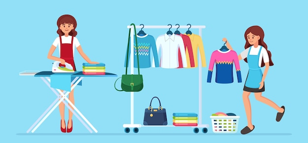 Vrouw strijken van kleren aan boord. huisvrouw die huishoudelijk werk doet. schoonmaakservice. metalen rek met kleding.