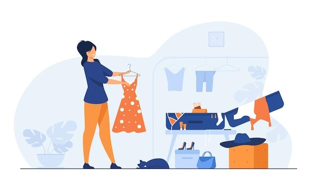 Vrouw verpakking zak voor reizen