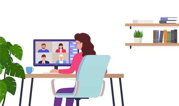 Vrouw werkt op afstand kantoor aan huis. karakter zit aan tafel met behulp van computer voor collectieve virtuele vergadering, groepsvideoconferentie.