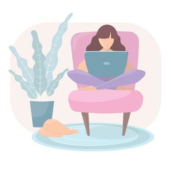 Vrouw zit fauteuil met laptop. een persoon werkt, studeert of communiceert vanuit huis.