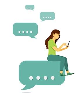 Vrouw zit op bubble chatten en chatten op mobiele telefoon.