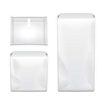 Vrouwelijk hygiënekussen. twee die hygiënisch maandverband verpakken, op een witte achtergrond. menstruatiedagen