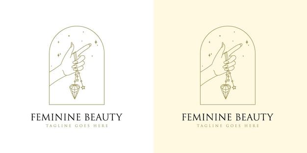 Vrouwelijk schoonheids boho-logo met vrouw hand nagel kristal diamant en ster voor make-up salon spa merk