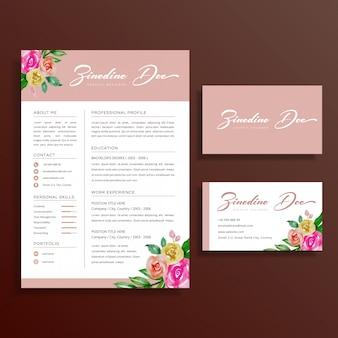 Vrouwelijke floral resume en visitekaartje ontwerpset