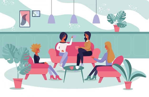 Vrouwelijke informele bijeenkomst voor verfrissing en praten
