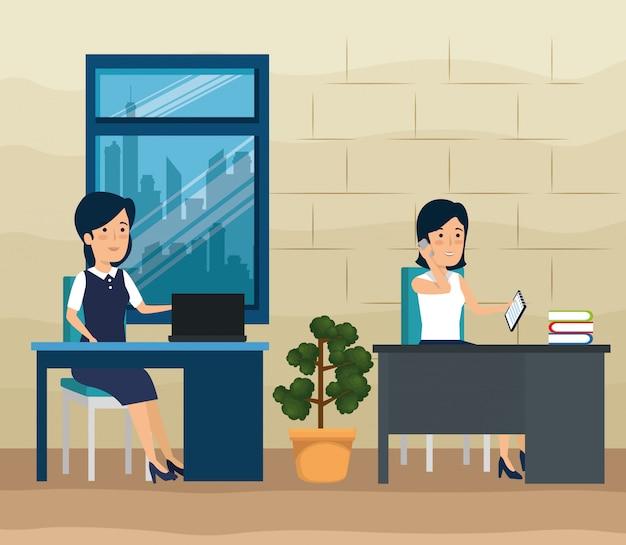 Vrouwelijke ondernemers werken op kantoor
