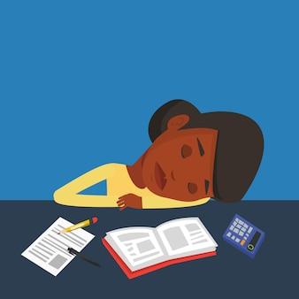 Vrouwelijke studentenslaap bij het bureau met boek.