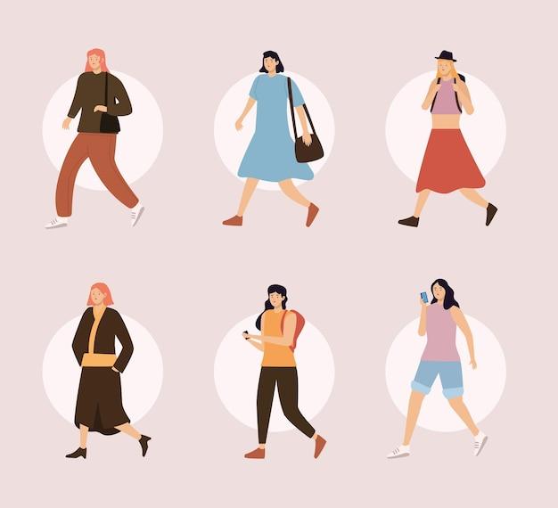 Vrouwelijke voetgangers lopen
