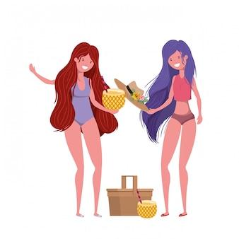 Vrouwen met zwempak en ananascocktail