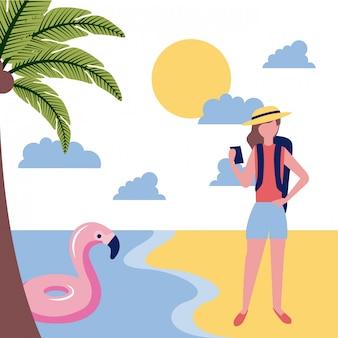 Vrouwentoerist in het strand