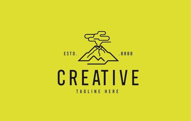 Vulkaanuitbarsting logo ontwerp vectorillustratie van de berg uitgestoten rook