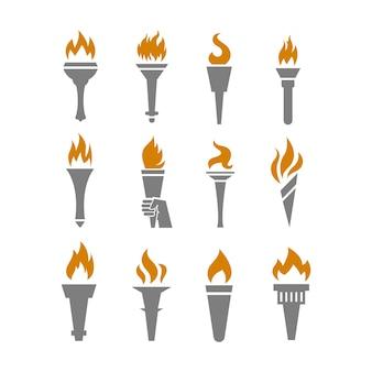 Vuurtoorts met vlam vlakke pictogrammen instellen