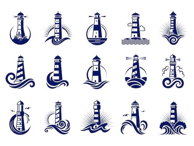 Vuurtoren badges. nautische mariene reizen bedrijfslogo's vector collectie. vuurtorentoren in de buurt van de kust, zeereisbakenillustratie