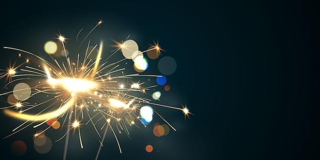 Vuurwerk sparkler en kerst thema viering partij gelukkig nieuwjaar gouden achtergrond.