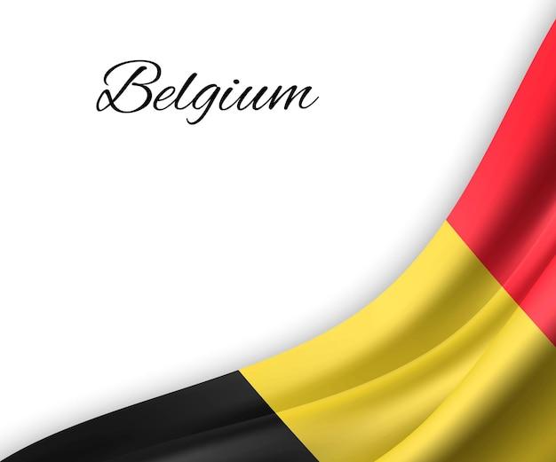 Wapperende vlag van belgië op witte achtergrond.