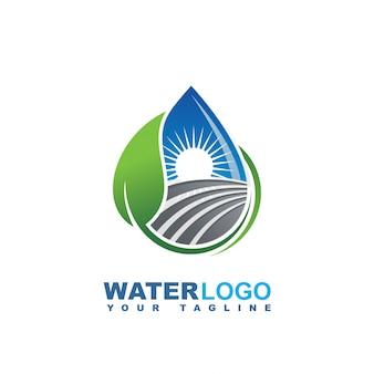 Waterdruppel vector logo met groen blad en hand