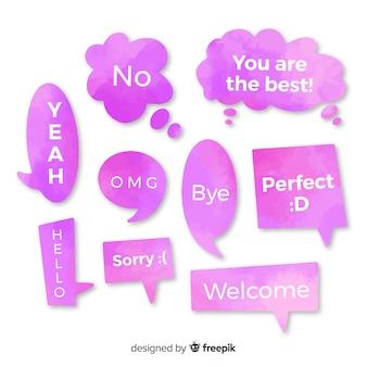 Watergekleurde roze tekstballonnen met verschillende uitdrukkingen