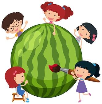 Watermeloen met veel kinderen stripfiguur geïsoleerd