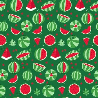 Watermeloen naadloze patroon hele gestreepte watermeloen en rode plakjes met zaden op een groene achtergrond...