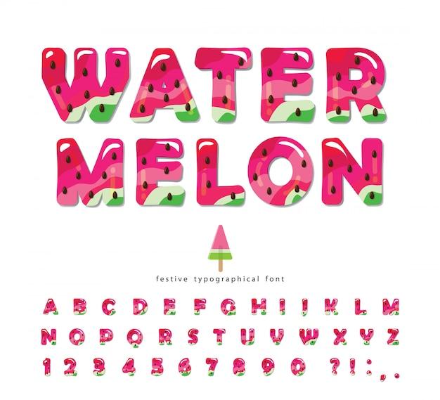 Watermeloen zomer helder lettertype. cartoon decoratieve alfabet.