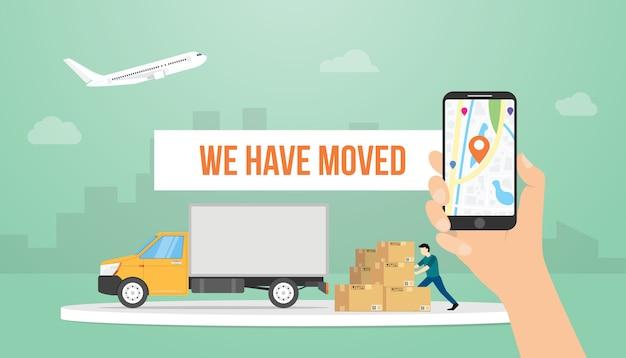 We hebben de tekstbannertitel verplaatst met de hand met smartphone en vrachtwagen met moderne vlakke stijl