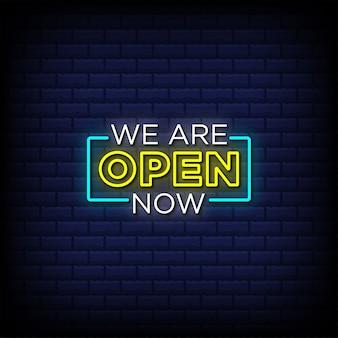 We zijn nu open tekst in neonbordstijl Premium Vector