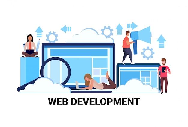 Web ontwikkelingsconcept succesvolle teamwork strategie horizontaal plat
