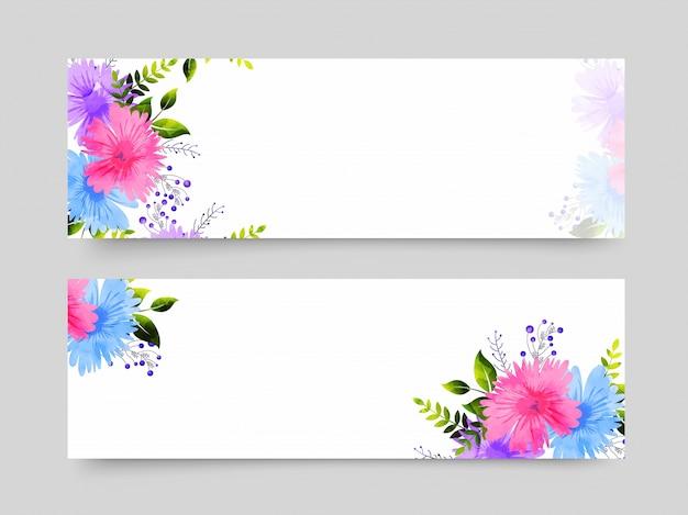 Website kopjes met kleurrijke bloemen decoratie.