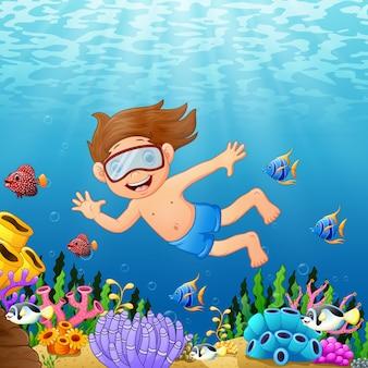 Weinig jongen die in het overzees duikt