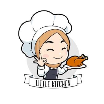 Weinig moslim chef-kok meisje kip barbecue houden