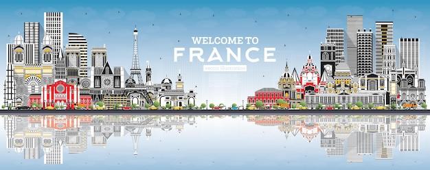 Welkom bij de skyline van frankrijk met grijze gebouwen, blauwe lucht en reflecties vectorillustratie
