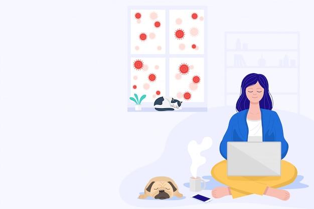 Werk op afstand om verspreiding van covid-19 te voorkomen, een jonge vrouw die een laptopcomputer in een woonkamer gebruikt,